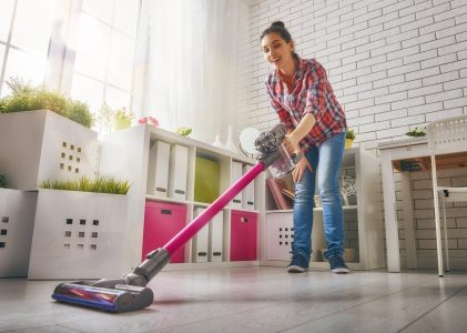 7 Best Cordless Stick Vacuums (2020 Reviews)