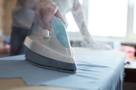 Should You Choose a Dry Iron or A Steam Iron?